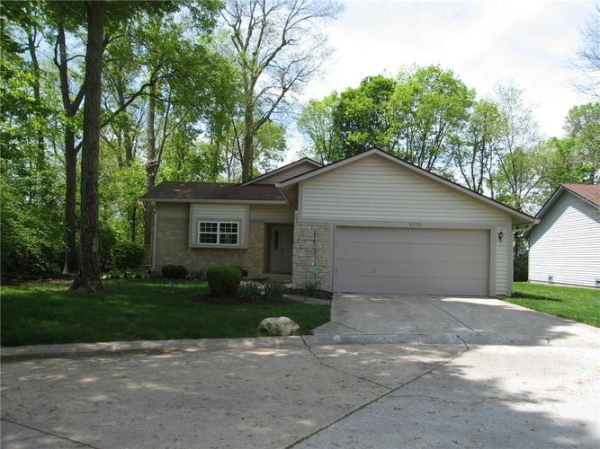 6229  BEHNER Crossing Indianapolis, IN 46250 | MLS 21655330