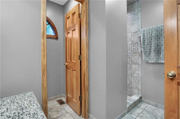 7018 W Timber Drive New Palestine, IN 46163 | MLS 21655337 | photo 17