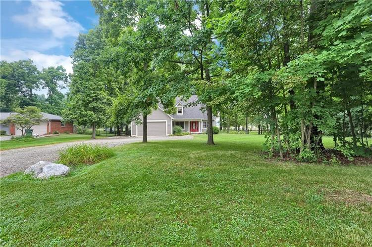 7018 W Timber Drive New Palestine, IN 46163 | MLS 21655337 | photo 3
