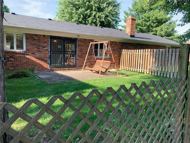1707 Beech Drive N Plainfield, IN 46168 | MLS 21655367 | photo 2