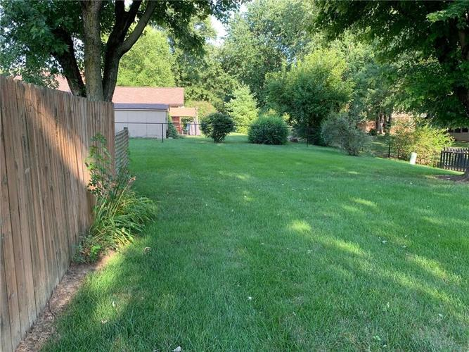 1707 Beech Drive N Plainfield, IN 46168 | MLS 21655367 | photo 3