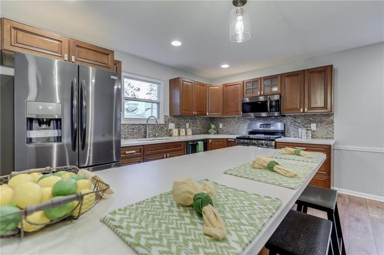 584 Watterson Court Indianapolis, IN 46217 | MLS 21655426 | photo 19