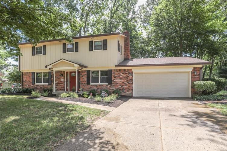 584 Watterson Court Indianapolis, IN 46217 | MLS 21655426 | photo 2
