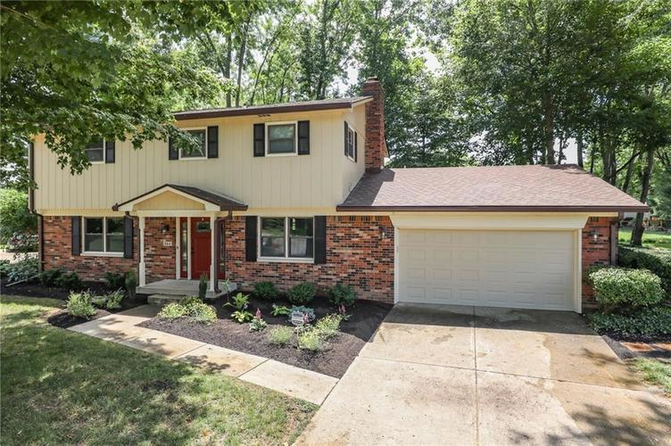 584 Watterson Court Indianapolis, IN 46217 | MLS 21655426 | photo 3