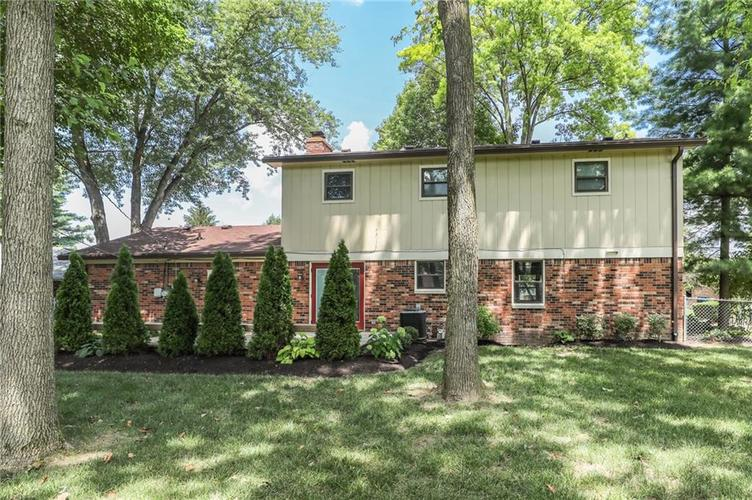 584 Watterson Court Indianapolis, IN 46217 | MLS 21655426 | photo 31