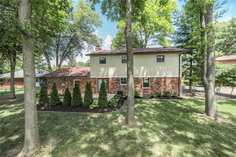 584 Watterson Court Indianapolis, IN 46217 | MLS 21655426 | photo 32
