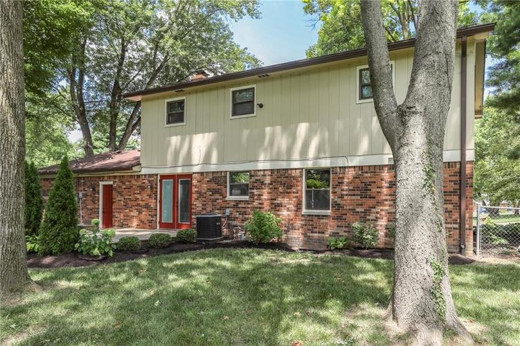 584 Watterson Court Indianapolis, IN 46217 | MLS 21655426 | photo 33
