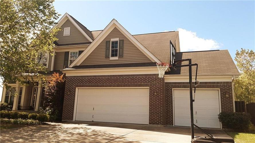 8797 Weather Stone Crossing Zionsville, IN 46077 | MLS 21655428 | photo 1