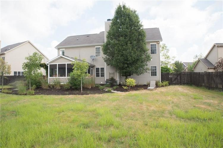 8797 Weather Stone Crossing Zionsville, IN 46077 | MLS 21655428 | photo 40