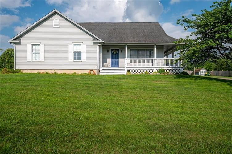499 N Maple Street Hagerstown, IN 47346 | MLS 21655463 | photo 2