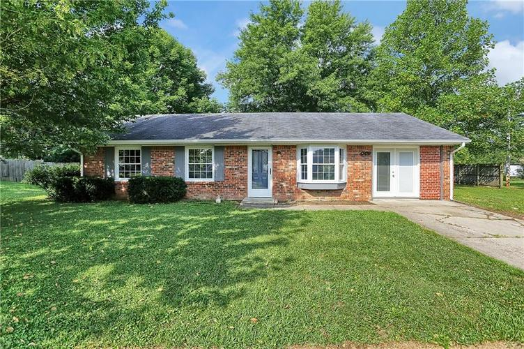 160 Oxbow Road Bargersville IN 46106 | MLS 21655508 | photo 1