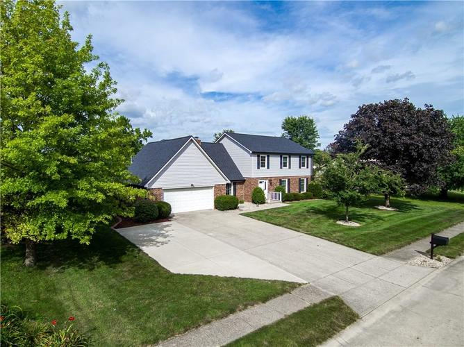 1323  GREENHILLS Road Greenfield, IN 46140 | MLS 21655512