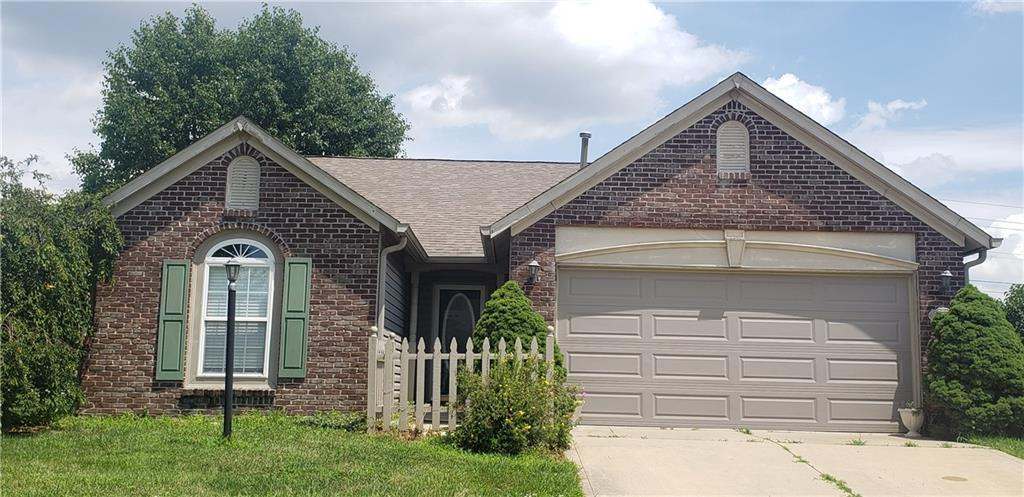 1495 Hedge Court Greenfield, IN 46140 | MLS 21655552 | photo 1