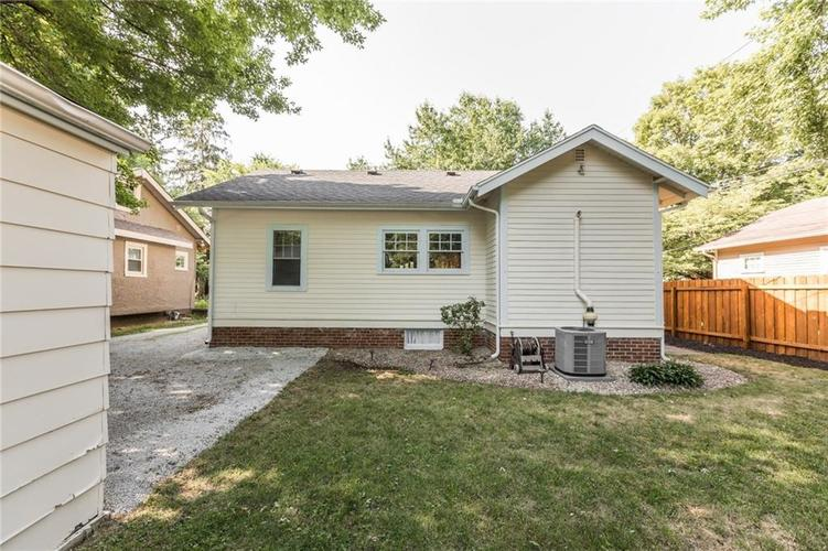 818 Paxton Place Indianapolis, IN 46220   MLS 21655571   photo 20