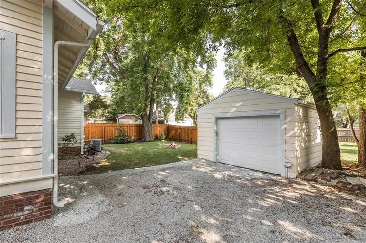 818 Paxton Place Indianapolis, IN 46220   MLS 21655571   photo 22