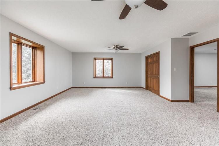 7727 Normandy Boulevard Indianapolis, IN 46278 | MLS 21655667 | photo 20