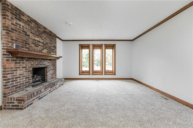 7727 Normandy Boulevard Indianapolis, IN 46278 | MLS 21655667 | photo 9