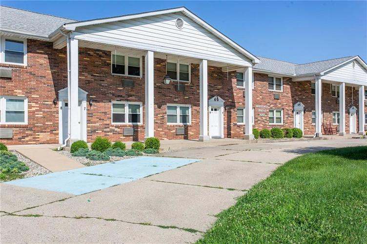 1045  Alhambra Drive Anderson, IN 46012 | MLS 21655750