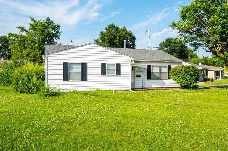 1301 W Royale Drive Muncie, IN 47304 | MLS 21655768