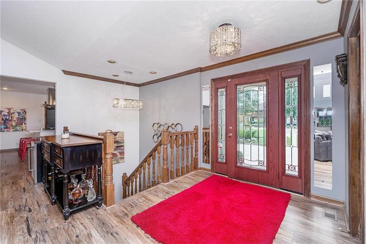 6531 GRANT WOOD Court Indianapolis, IN 46256 | MLS 21655787 | photo 4