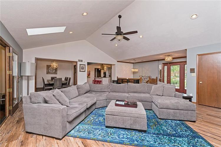 6531 GRANT WOOD Court Indianapolis, IN 46256 | MLS 21655787 | photo 7