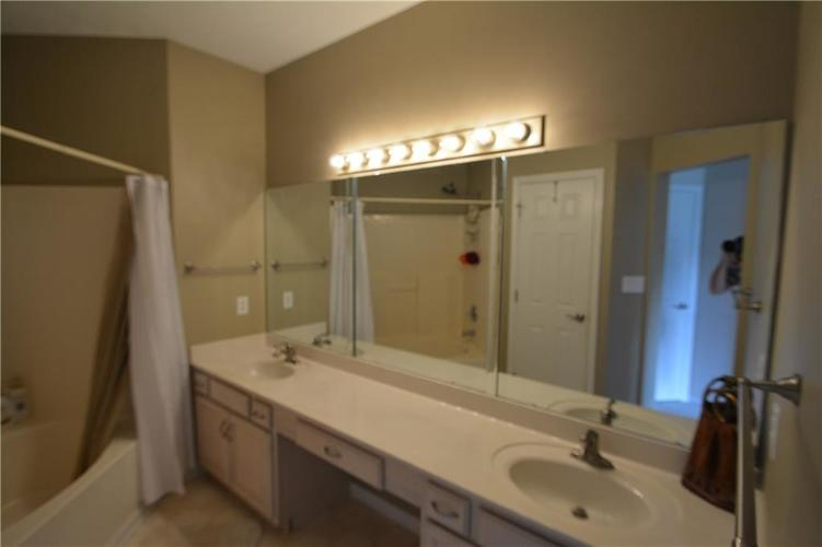 20799 Waterscape Way Noblesville, IN 46062   MLS 21655868   photo 23