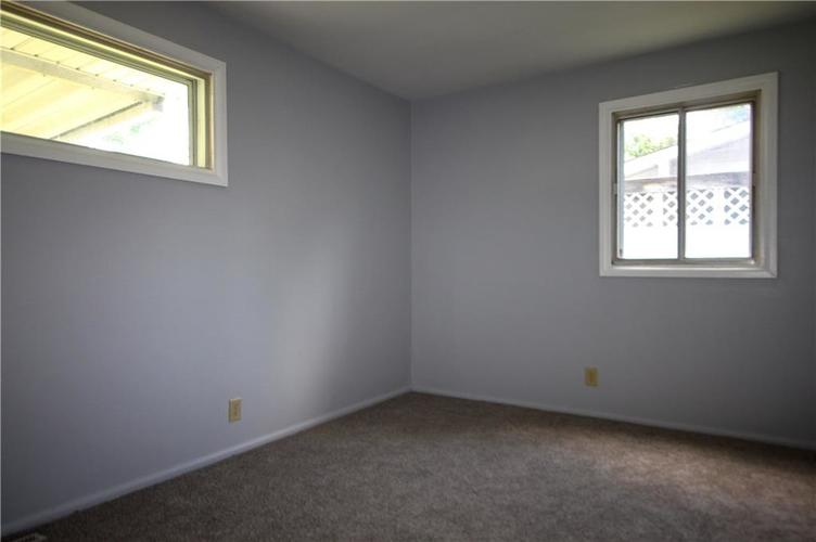 3027 Mooresville Road Indianapolis, IN 46221 | MLS 21655870 | photo 12