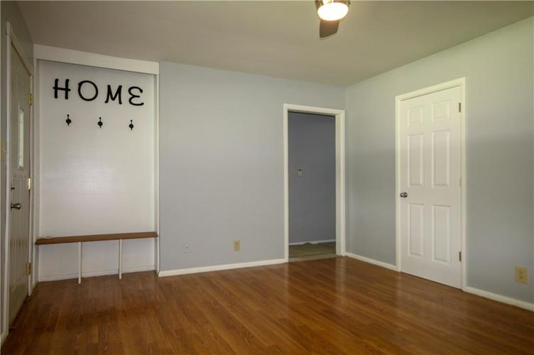 3027 Mooresville Road Indianapolis, IN 46221 | MLS 21655870 | photo 2