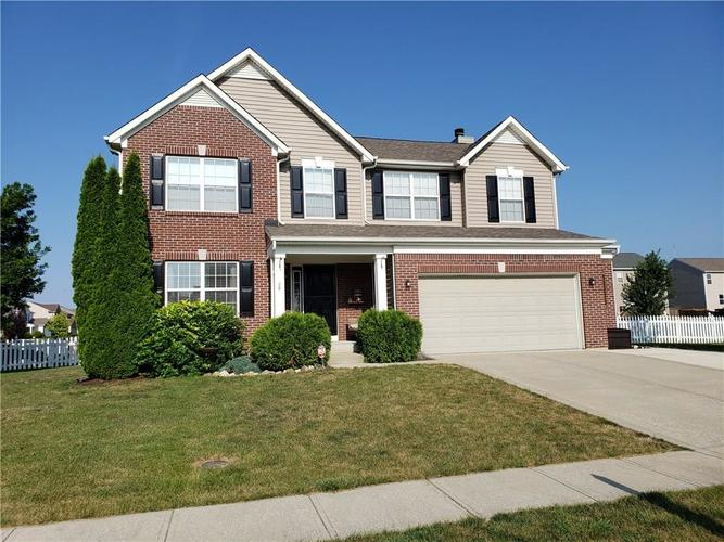 1318 Silvermere Drive Indianapolis, IN 46239 | MLS 21655871 | photo 2