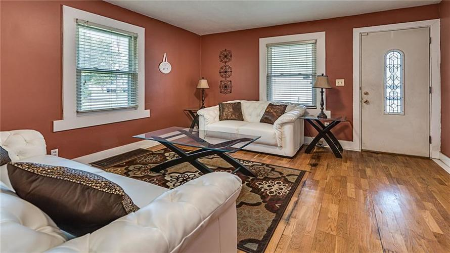 2215 W 60th Street Indianapolis, IN 46228 | MLS 21655954 | photo 2