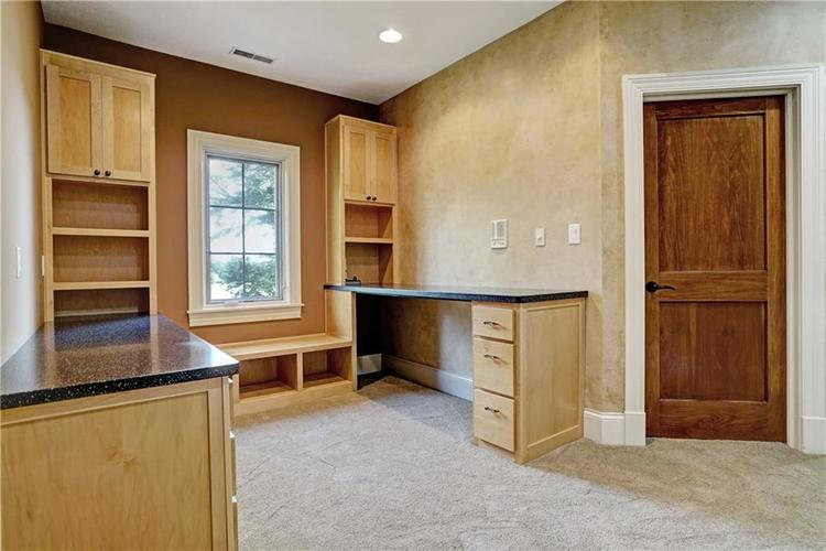 5865 W Carr Hill Road Columbus, IN 47201 | MLS 21656066 | photo 19