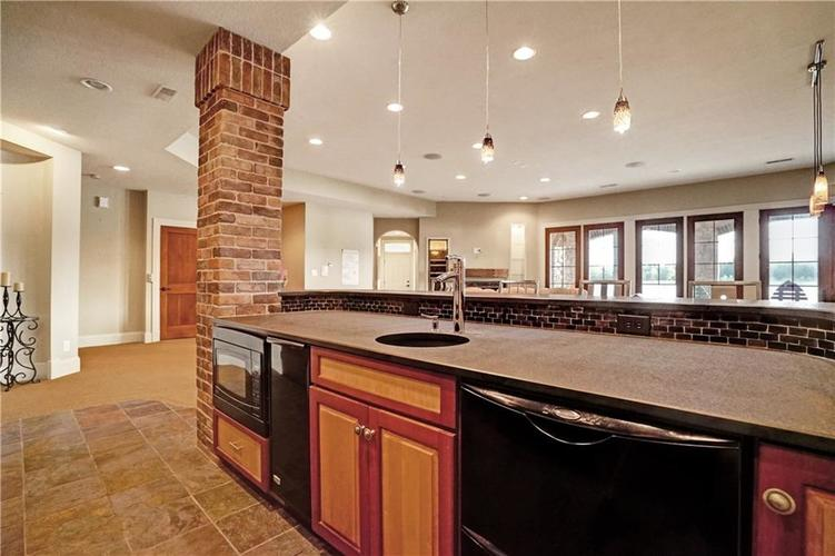 5865 W Carr Hill Road Columbus, IN 47201 | MLS 21656066 | photo 29