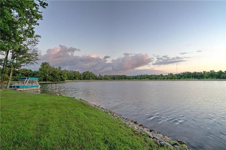 5865 W Carr Hill Road Columbus, IN 47201 | MLS 21656066 | photo 43
