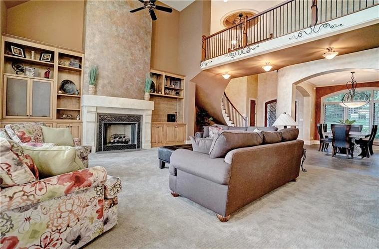 5865 W Carr Hill Road Columbus, IN 47201 | MLS 21656066 | photo 6