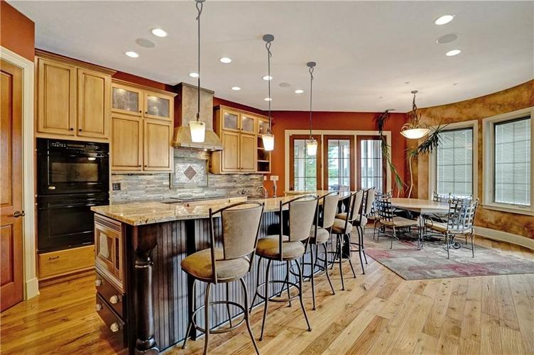 5865 W Carr Hill Road Columbus, IN 47201 | MLS 21656066 | photo 7