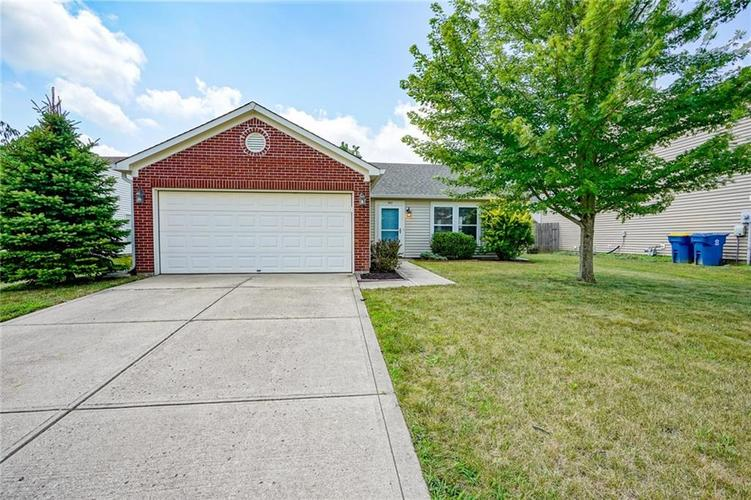 747  HICKORY PINE Drive New Whiteland, IN 46184 | MLS 21656224