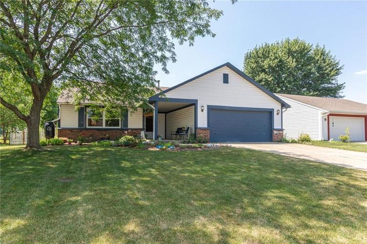 8135 SUMMERTREE Court Indianapolis, IN 46256 | MLS 21656226 | photo 1
