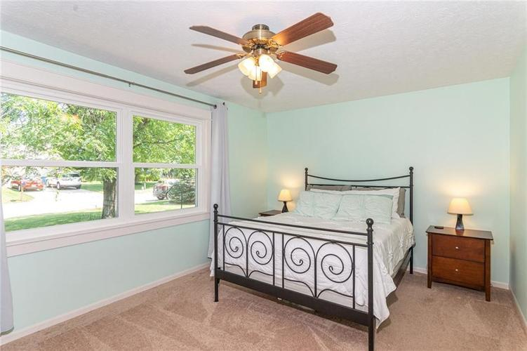 8135 SUMMERTREE Court Indianapolis, IN 46256 | MLS 21656226 | photo 22