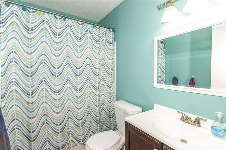 8135 SUMMERTREE Court Indianapolis, IN 46256 | MLS 21656226 | photo 27