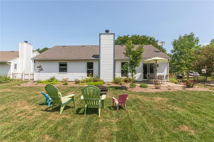 8135 SUMMERTREE Court Indianapolis, IN 46256 | MLS 21656226 | photo 4