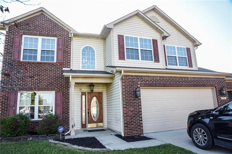 216 Heartwood Hill Greenfield, IN 46140 | MLS 21656241 | photo 1