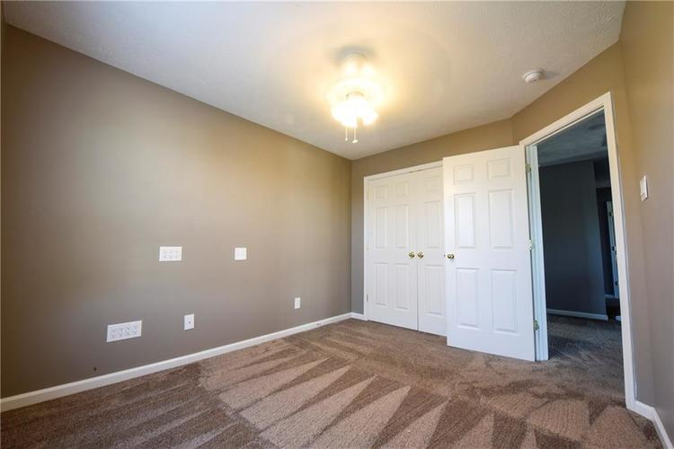 216 Heartwood Hill Greenfield, IN 46140 | MLS 21656241 | photo 6