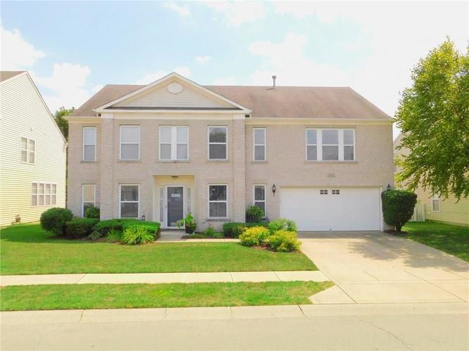 12643 Courage Crossing Fishers, IN 46037 | MLS 21656268 | photo 1