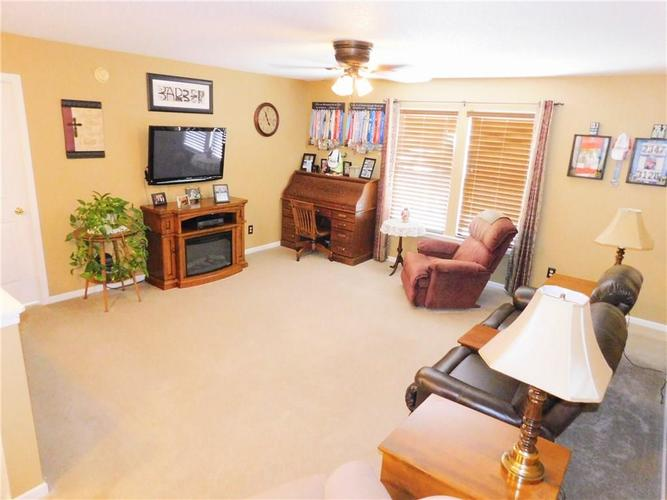 12643 Courage Crossing Fishers, IN 46037 | MLS 21656268 | photo 12
