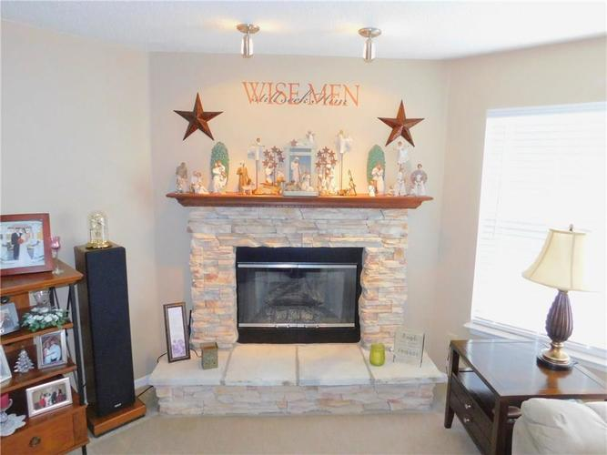 12643 Courage Crossing Fishers, IN 46037 | MLS 21656268 | photo 4