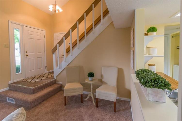 7839 Hunters Path Indianapolis, IN 46214 | MLS 21656272 | photo 8