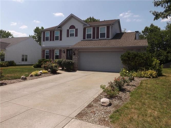 6718 HOLLINGSWORTH Drive Indianapolis, IN 46268 | MLS 21656342 | photo 2