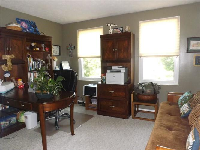 6718 HOLLINGSWORTH Drive Indianapolis, IN 46268 | MLS 21656342 | photo 21