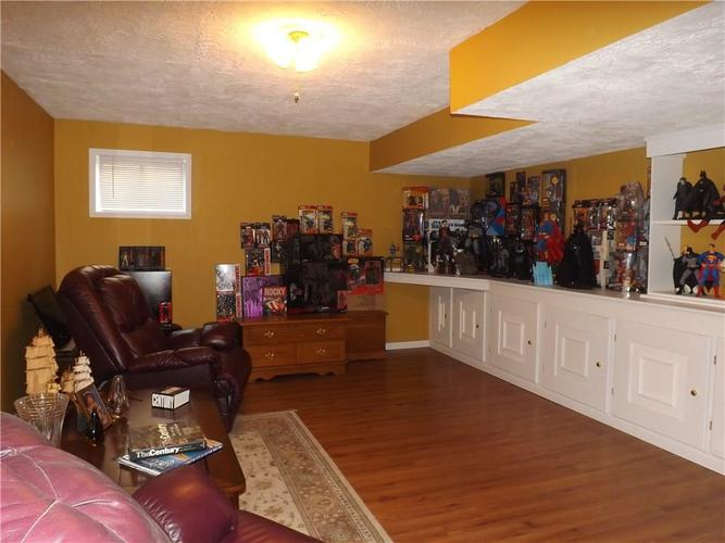 6718 HOLLINGSWORTH Drive Indianapolis, IN 46268 | MLS 21656342 | photo 26