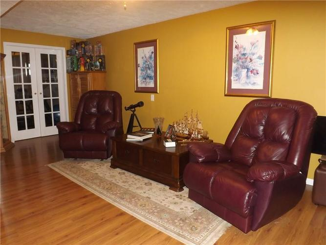 6718 HOLLINGSWORTH Drive Indianapolis, IN 46268 | MLS 21656342 | photo 27